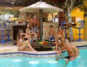 club_tropicana_resized